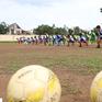 Huấn luyện viên đặc biệt và giấc mơ bóng đá cho trẻ em nghèo