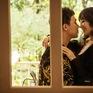 Trấn Thành - Hari Won tình tứ hôn nhau trong bộ ảnh mới