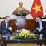 Phó Thủ tướng, Bộ trưởng Bộ Ngoại giao Phạm Bình Minh tiếp Đại sứ Anh Gareth Ward