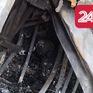 """Phong toả hiện trường vụ cháy trên đường Đê La Thành: Phát hiện """"nhiều phần nghi là bộ phận cơ thể người"""""""