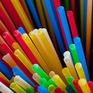 California - Bang đầu tiên của Mỹ hạn chế sử dụng ống hút nhựa