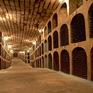 Khám phá hầm rượu vang trải dài 240km