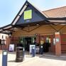 Chuỗi siêu thị lớn nhất tại Anh ngừng sử dụng túi nylon