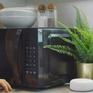 Amazon ra mắt lò vi sóng có thể giao tiếp với con người