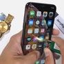 """Sẽ thế nào khi """"tra tấn"""" iPhone Xs Max bằng bật lửa và dao rọc giấy?"""