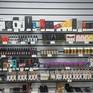 Báo động tình trạng giới trẻ Mỹ hút thuốc lá điện tử