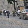 Phú Yên: Xe chở đất đá rơi vãi gây mất an toàn