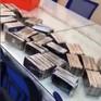 Bắt giữ 257 điện thoại Samsung, iPhone nhập lậu tại sân bay Tân Sơn Nhất