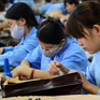 Phụ nữ Việt Nam tham gia lao động cao nhất nhì thế giới