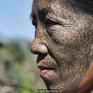 """Những phụ nữ """"mặt hổ"""" cuối cùng ở Myanmar"""