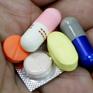 TP.HCM: Uống thuốc quên bóc vỏ, bệnh nhân bị thủng thực quản