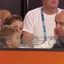 """Federer bị con trai """"phớt lờ"""" sau trận đấu với Fritz"""