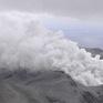 Núi lửa phun trào mạnh tại Tây Nam Nhật Bản