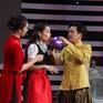 Ô hay gì thế này: Chi Pu, Hari Won lộ giọng hát live lạ lùng