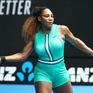 Serena Williams vượt qua Simona Halep để giành quyền vào tứ kết Australia mở rộng