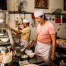 """GrabFood quảng bá ẩm thực quận 5 qua """"Chợ Lớn Food Story"""""""