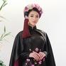Phương Khánh diện áo dài lộng lẫy chấm thi Miss Earth 2019