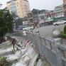 Thành phố Vinh chìm trong biển nước do mưa lớn