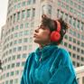 Apple ra mắt tai nghe không dây chống ồn Beats Solo Pro, giá 300 USD