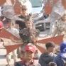 Đi và trải nghiệm lễ hội Carnival ở thủ phủ batik