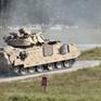 Ba binh sĩ Mỹ thiệt mạng vì xe thiết giáp rơi xuống nước