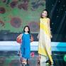 """Đoan Trang lần đầu biểu diễn cùng con gái trong chương trình """"60 phút rực rỡ"""""""