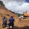 Khắc phục thông tuyến cơ bản đường bị sạt lở do mưa bão tại Quảng Ngãi