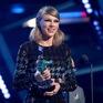 """Taylor Swift trở thành nghệ sĩ đầu tiên được Billboard trao giải """"Phụ nữ của thập kỷ"""""""