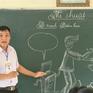 Thầy giáo vẽ tranh biếm họa bằng phấn trắng