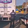 62 người di cư được cứu thoát khỏi xe tải kín hơi ở Mexico