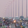 Giao thông vào giờ tan tầm trên cầu Sài Gòn khá thông thoáng