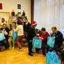 Hội từ thiện ở Hungary tặng quà những người có hoàn cảnh khó khăn