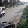 Tài xế ô tô mở cửa xe bất cẩn gây tai nạn cho xe máy