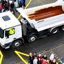 """Những """"điểm mù"""" của xe tải, container bạn nên tránh"""