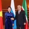 Chủ tịch Quốc hội Nguyễn Thị Kim Ngân gặp Chủ tịch Hội đồng Nhà nước Tatarstan (LB Nga)
