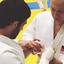 Tổng thống Nga Vladimir Putin bị thương nhẹ khi tham gia tập Judo