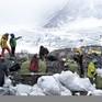 Trung Quốc hạn chế du khách đến khu vực núi Everest