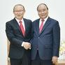 Thủ tướng Nguyễn Xuân Phúc tiếp huấn luyện viên Park Hang-seo