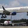 Máy bay Delta Airlines hạ cánh khẩn cấp do bị sét đánh