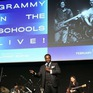 Câu chuyện truyền cảm hứng của thầy giáo âm nhạc giành giải Grammy danh giá