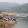Chia buồn với gia đình 8 học sinh bị đuối nước ở Hòa Bình