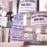 Kinh hoàng đòi nợ tín dụng đen: Ném mắm tôm, trộn dầu nhớt, trải truyền đơn…