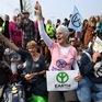 Hơn 700 nhà hoạt động môi trường bị bắt giữ tại Anh