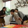 Gia đình 4.0: Thu Đông (Quang Anh) liều mình cho cua cắp rốn học bơi