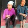 Xót xa cụ bà 72 tuổi bị câm, điếc bẩm sinh và em trai 54 tuổi bị thiểu năng trí tuệ sống tạm bợ qua ngày