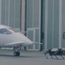 Chế tạo thành công robot 4 chân kéo máy bay