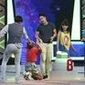 """Ca sĩ Miko Lan Trinh quỳ xuống """"cầu xin"""" Baggio trong Quả cầu bí ẩn"""
