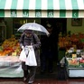 Nhật Bản xem xét cấm phát túi nylon miễn phí