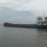 Tạm giữ tàu vận chuyển hơn 2.500 tấn than trái phép