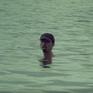 """Chỉ ngâm mình dưới biển, Đen vẫn """"ẵm"""" gần 4 triệu lượt xem trong 1 ngày"""